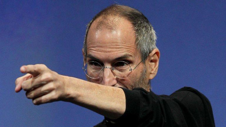 """Изпълнителният директор на Apple Стив Джобс навремето беше казал, че неговата компания """"създава всички джаджи"""" - от хардуера до софтуера за услугите си"""
