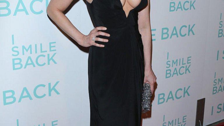 Дали заради комедията, на която тя е царица или просто заради шестица от генетичната лотария, но актрисата и стенд-ъп комедиант Сара Силвърман ще изглежда младолика може би и на 70 г.