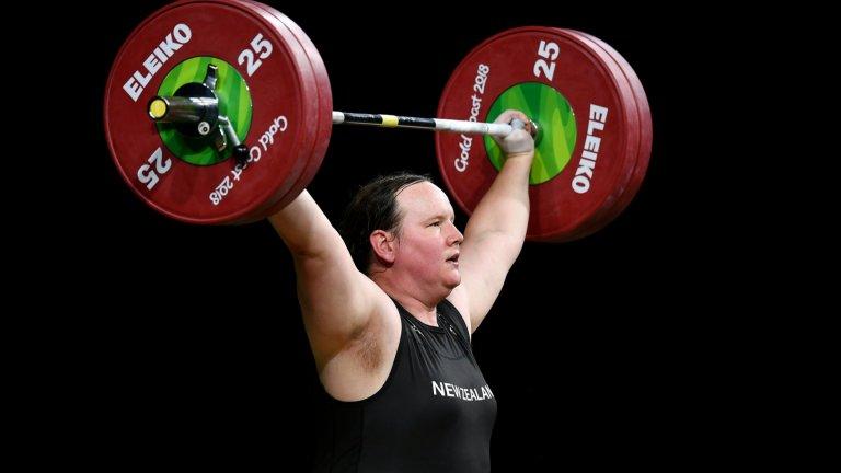 Първият трансджендър олимпиец е 130-килограмов щангист