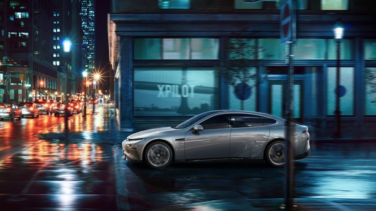 Може да прилича поразително на Model 3, но е доста по-евтин...