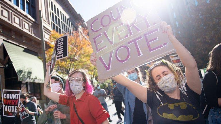 Демонстрация на симпатизанти на Джо Байдън във Филаделфия.