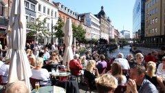 Холандската столица от години се бори с милионите туристи