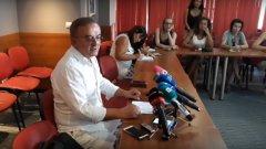 Той и Бенчо Бенчев са задържани заради заповед от България