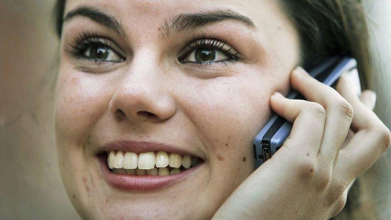 3. Телефонните разговори. Сред най-дразнещите са хората, които водят продължителни телефонни разговори  на висок глас, вместо да тренират. От същия вид са и онези, които толкова силно са си пуснали музиката в слушалките, че всички я чуват.
