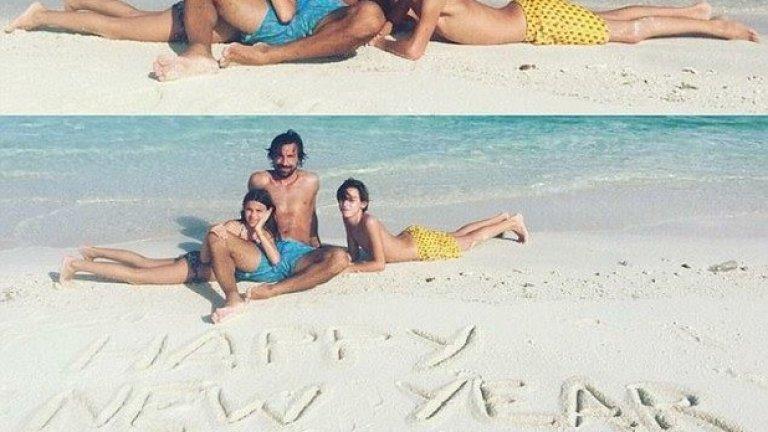 Нова година на плажа за Пирло и семейството