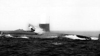 AN-1 - самолетоносачът, който можеше да се спуска под вода