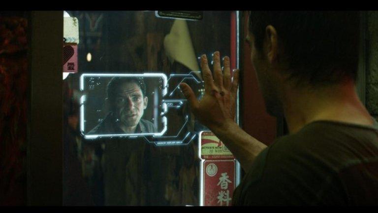 Зов за завръщане, римейкът от 2012  Във филма: Почти във всяка сцена съдържа някакво мечтано изобретение – устройство за записване на сънища, имплантирани спомени, реещи се коли, холограмни комуникации и хладилници с тъч скрийн. Но специално внимание заслужава смартфон имплантът на ръцете на героите. Когато те си сложат ръката на някаква твърда повърхност, я превръщат в дисплей и така например водят видео разговори.  В реалността: Университетът в Токио разработва проекта Airborne Ultrasound Tactile Display, с който ще можете да манипулирате виртуални обекти от дистанция единствено с движение на ръцете и ще можете да превърнете дланта си в нещо като дисплей с тъч-скрийн възможности. Това е само един от подобните проекти, а очакванията на японците са технологията да бъде завършена до десет години.