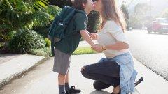Основният приоритет в работата на социалните служби е децата да се отглеждат от своите майки и бащи