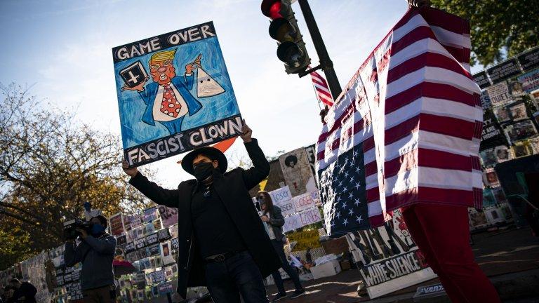 Протестиращи срещу Тръмп във Вашингтон.