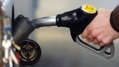 От 15 октомври максималната продажна цена за литър безоловен А95 ще е 1.643 евро в Гърция. Дизелът ще струва не повече от 1.458/л