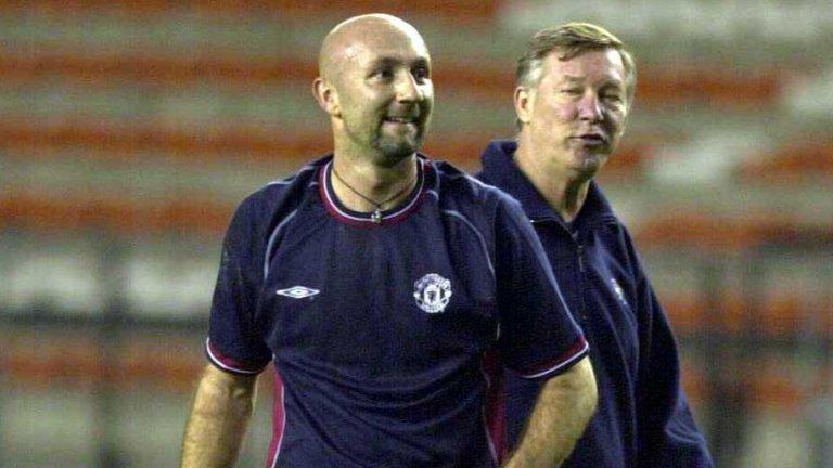 Мечтата на Фабиен Бартез се сбъдна през лятото на 2001 година по време на азиатското турне на Манчестър Юнайтед