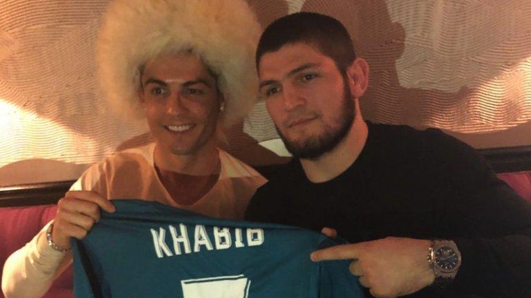 Хабиб е луд по футбола - това е ясно. Но на кои отбори е фен?