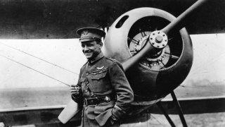 Раул Луфбери - авантюристът с лъвовете и най-добрият пилот на Франция
