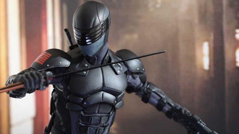 """Snake Eyes: GI Joe Origins Премиера: 22 октомври Вселена: G.I. Joe  Филмът е спиноф на екшъните G.I. Joe, но в него няма да видим нито Скалата, нито Чанинг Тейтъм. Вместо това се фокусира върху мълчаливата черна нинджа Змийски очи (Snake Eyes) и разказва неговия произход, естествено, придружен със стабилно количество бойни изкуства и екшън. В главната роля е Хенри Голдинг (""""Луди богаташи"""")."""