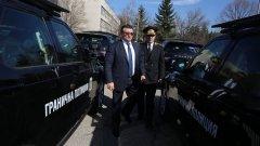 """""""Трябва да намерим баланса между информираността и тишината по дадени въпроси"""", коментира Младен Маринов след изтичането на данни за самоличността на 16-годишния ученик от Пловдив, заподозрян за вербуване от ИДИЛ"""