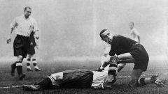 """Битката за """"Хайбъри"""" остава в историята само с разбитите крака и счупените кости."""