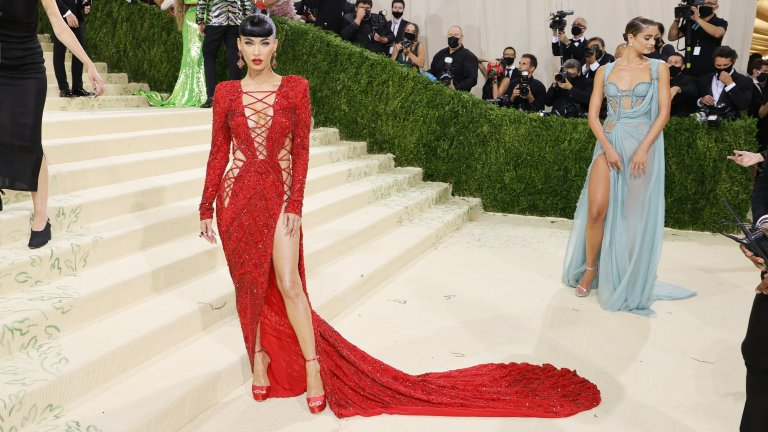 Меган ФоксАктрисата също избра предизвикателна рокля, която оставя малко на въображението.