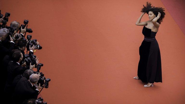 """Тина Кунаки блестеше на премиерата на """"Les Miserables"""" (ГАЛЕРИЯ)"""