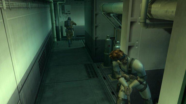 Metal Gear Solid: Sons of Liberty  Може би най-добрата игра от цялата поредица за легендарния Solid Snake. Sons of Liberty изглежда почти като филм със своята дълбока история и подобрен геймплей, който се възползва по най-добрия начин от новите (тогава) възможности на PS 2, усъвършенствайки цялата стелт механика на играта.