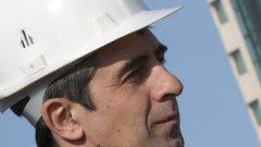 Според строителния министър Росен Плевнелиев общинските администрации са главните виновници за незаконното строителство. За язовир Ивайловград от 2007 г. никой от кметовете и главните архитекти не е сигнализирал министерството, посочи той