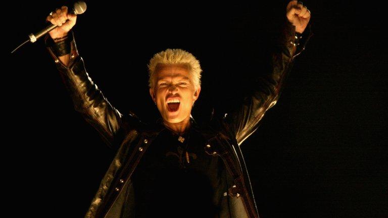 Billy Idol - Dancing With Myself  И никой няма да ви пречи да си танцувате сами из вкъщи.
