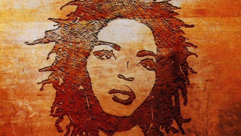10. Lauryn Hill, 'The Miseducation of Lauryn Hill' (1998 г.)  Хил, една от лидерките на Fugees, има желание да изрази своята собствена музикална визия. Прави го с този албум, в който се опитва да съчетае реге, хип-хоп и класически соул. При това с един по-суров звук в ера, в която поп музиката е тръгнала към своето все по-компютъризирано бъдеще.