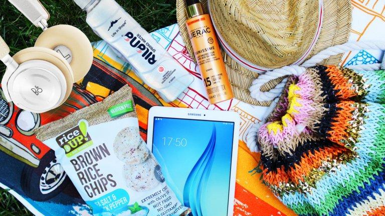 За едно истински приятно прекарване на плажа ни трябва не само бански. Затова набелязахме още пет неща, които да сложим в плажната си чанта.