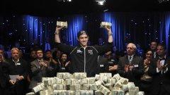 Хората, които най-добре знаят как да превръщат хобито в професия и удоволствието в пари, са именно покер-милионерите.  Запознайте се с 10-те най-богати покер-играчи в света