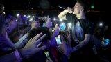 Пиратското качване на неиздавани песни в стрийминг услуги като Spotify не може да бъде напълно спряно. Пример за това е песен на рапъра Lil Mosey, която е по-голям хит преди официалното си пускане, отколкото след това (на снимката: Lil Mosey на концерт в Лос Анджелис)