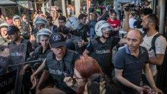 Прайдът в Истанбул се проведе за четвърта поредна година въпреки забраните на властите