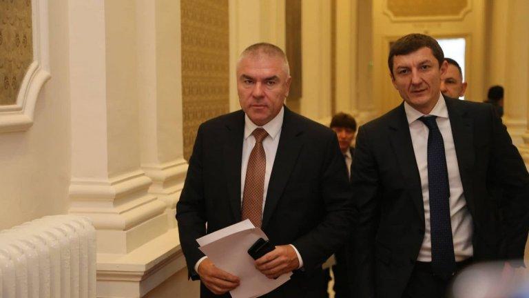 Новият коалиционен партньор на Веселин Марешки остана без партия