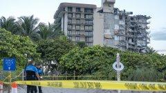 Многоетажна жилищна сграда се срути в Маями