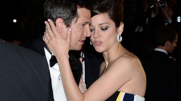 В личен план актрисата от 2007 г. насам е във връзка с френския актьор и режисьор Гийом Кане, с когото преди това са били приятели и са работили заедно. Макар да не са женени, двамата вече имат две деца - син, роден през 2011 г., и дъщеря, появила се на бял свят шест години по-късно.