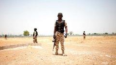 Предполага се, че самоубийственият атентат е свързан с нигерийската военизирана групировка Боко Харам. Нигерия организира армия от 8700 военни от региона, за борба с групировката. В армията участват и съседни страни, включително Камерун. Въоръжението идва от САЩ