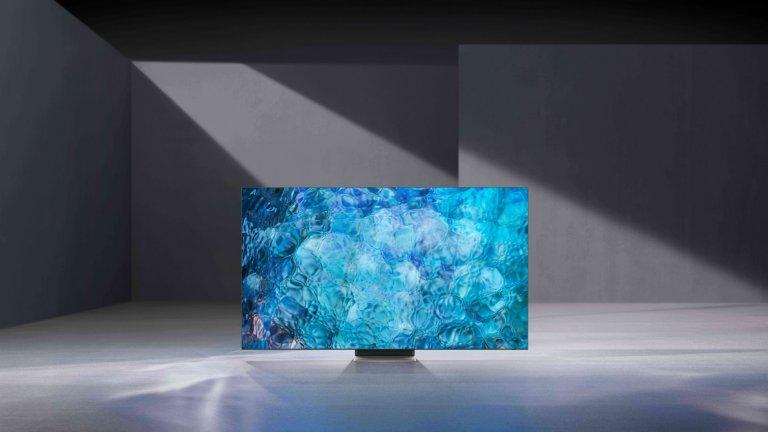 Samsung Neo QLED 4K и 8KПоследната серия телевизори на Samsung използват технология, наречена mini-LED, при която малки LED-ове се грижат за по-чистото изображение. Това означава по-дълбок черен цвят, по-ярки светлини и по-ясна картина, при която няма нежелано размиване и сенки. И, разбира се, всичко изглежда по-добре в 4K или 8K, макар и в България все още опциите в тази насока да са силно ограничени.
