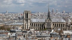 """Само няколко дни след пожара в 800-годишната катедрала """"Нотр Дам"""" в Париж, светът успя да събере над 1 млрд. евро, за да подпомогне реконструкцията й. Едва ли може да се очаква, че новопостроен небостъргач би провокирал същата реакция на съпричастност."""