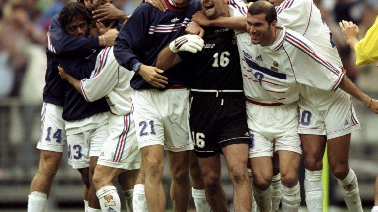 Част от френските герои преди 20 години, спечелили първата световна титла в историята на Франция