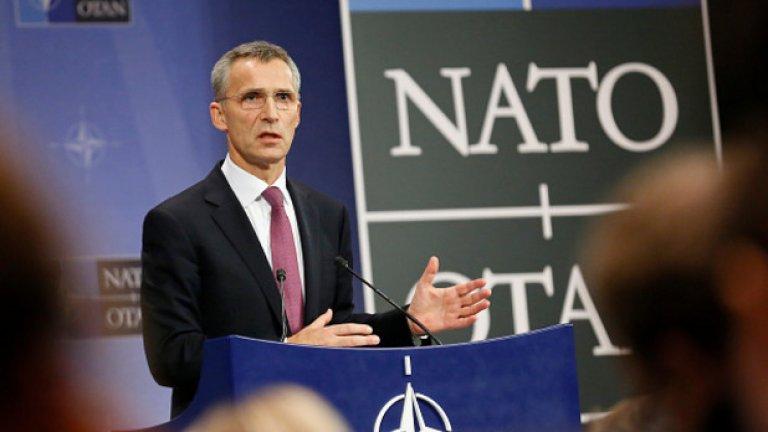 Министрите на ЕС вземат решение за по-нататъшно разширяване на нашето присъствие в Източна Европа, което ще изпрати сигнал до всеки потенциален агресор, заяви Столтенберг на срещата между външните министри на ЕС и НАТО