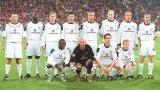 """Когато """"12-ият играч"""" на Юнайтед се направи на Кантона за най-епичната отборна снимка в историята"""