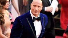 Скалата извървя пътя от обикновен играч по американски футбол до най-скъпо платеният актьор в Холивуд
