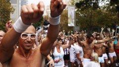 """По данни на """"Амнести интернешънъл"""" хомосексуалността продължава да е извън закона в 76 държави."""