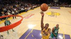 """Коби Брайънт за втори пореден път спечели приза """"най-полезен играч"""" на финалите в НБА"""