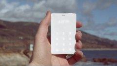 Light Phone е антипод на смартфона. В смисъл, че няма никакви функции - и това е напълно ОК