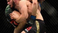 В момента титлата на Нурмагомедов е под въпрос, въпреки че той напълно си я заслужи с представянето на ринга