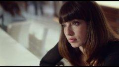 Анжела Недялкова играе ролята на Вероника - млада жена от Източна Европа, която излиза със Сик Бой и заедно планират отварянето на бардак.