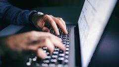 Разследват човек за публикувана фалшива информация за COVID-19 във Facebook