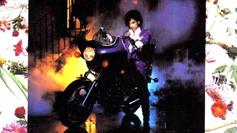 8. Prince and the Revolution, 'Purple Rain' (1984 г.)  Принс все още е млада звезда, когато решава да направи филм, базиран на живота си, и да издаде албум, който да е саундтрак на филма. Излизането на Purple Rain превръща Принс в първия артист с номер едно песен, албум и филм в Северна Америка. Rolling Stone посочват, че албумът е реализираната мечта на Принс да създаде място, в която фънк, психиделичното, хеви-метъл елементи, големи балади и смело експериментаторство могат да съжителстват.