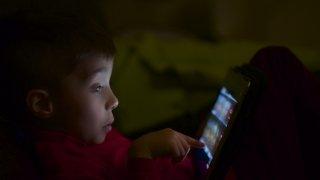 Българските деца са податливи на конспиративни теории