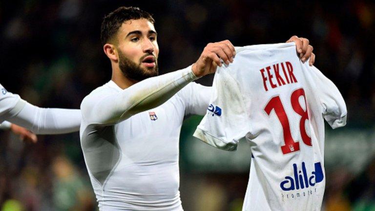 """Набил Фекир в Ливърпул Според специалисти във Франция и Англия трансферът на капитана на Лион в Ливърпул е сигурен. 24-годишният Набил Фекир ще премине на """"Анфийлд"""" това лято, но все още има различни информации около сумата, които варират между 60 и 75 милиона евро."""