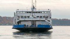 Българи се оплакват, че не могат да си вземат билети за спешно отпуснатите лодки и фериботи